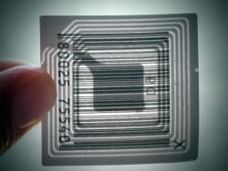 Barcode versus RFID